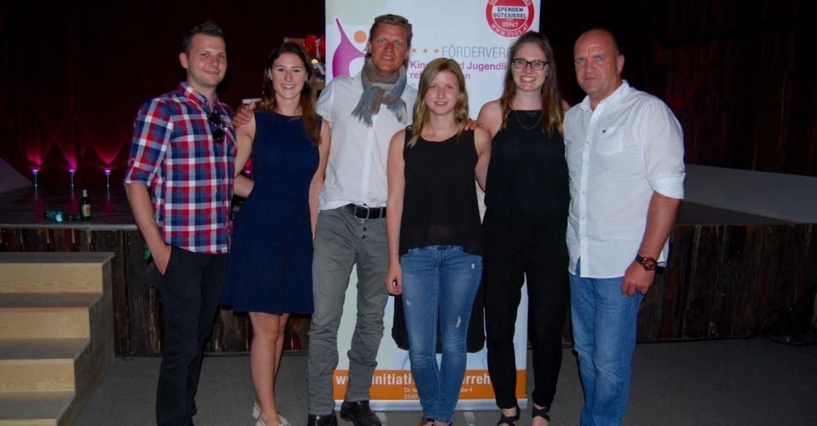 Charity-Kabarett von Gery Seidl bringt Kammgarnstadl in Bad Vöslau zum Glühen